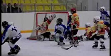 Embedded thumbnail for Хоккейный турнир, посвященный закрытию сезона клуба «Золотая шайба»